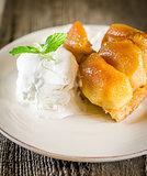 Tarte tatin french dessert