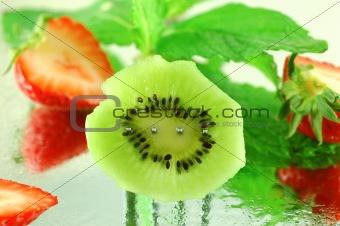 Kiwi with Strawberries