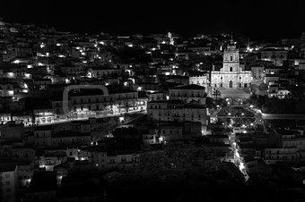 modica night view b&w