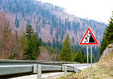 Falling stones, road sign