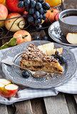 Apple and cinnamon crumble cake
