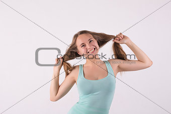 angry woman pulling his hair