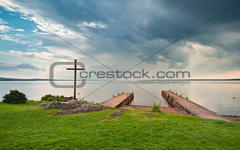 Cross at jetty