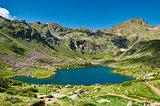 Estany del Mig. Tristaina Lakes (Estanis de Tristaina). Andorra