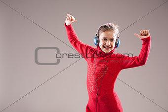 little girl loves music, yeah