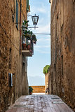 Narrow alley Pienza