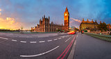Panorama of Queen Elizabeth Clock Tower and Westminster Palace i