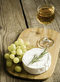 Camembert with walnuts and white wine