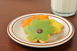 Dasiy shaped sugar cookies