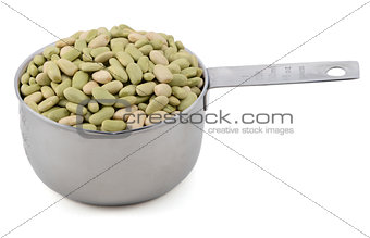 Flageolet beans in a cup measure