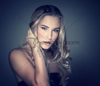 Beautiful fashionable girl portrait