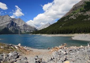 Alpine lake, Vanadian Rockies, Kananaskis Provincial park, Alber