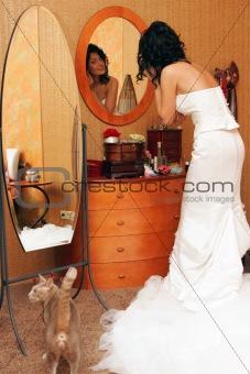 bride putting on make up