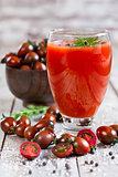Tomato juice and cherry tomato