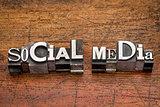 social media  metal type