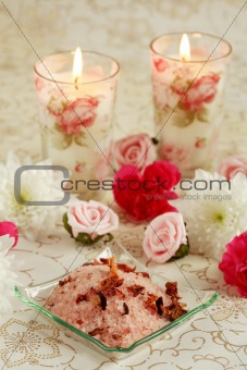 Bath salt with dry rose petals