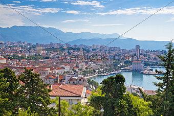 Amazing Split waterfront aerial view