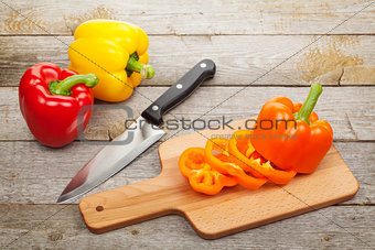 Sliced bell pepper on cutting board