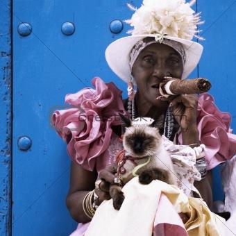 Cuban cigar lady