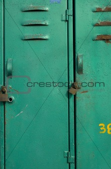 grunge locker in green