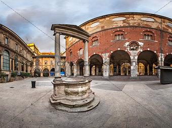Palazzo della Ragione and Piazza dei Mercanti in the Morning, Mi