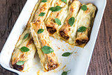 Cannelloni with mincemeat and bechamel
