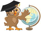 Owl teacher turns Globe