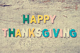 "The colorful words ""HAPPY THANKSGIVING"""