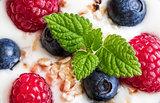 Yogurt with Fresh Berries, Oatmeal and Melissa