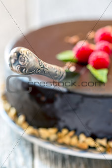 Knife to cut the cake.
