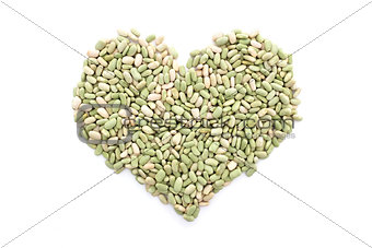 Flageolet beans in a heart shape