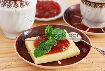 Brazilian dessert Romeo and Juliet, goiabada jam, cheese