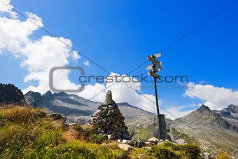 Campo Pass and Re di Castello Peak