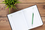 Calendar notepad and flower