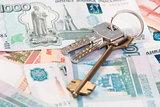 House keys and banknotes