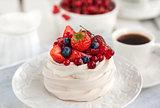 Pavlova meringue cake with fresh berries