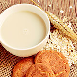 oat milk, rolled oats and digestive cookies