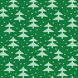 Seamless hand-knitted pattern with green and white threads.