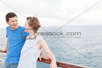 couple at cruise