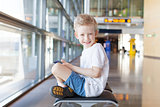 kid in airport