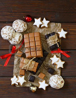 toffee, gingerbread and cookies for Christmas gifts