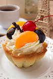 French cake with cherries and cream