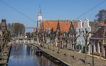 Central canal and street in historical Sloten