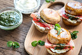 Mushroom burgers with jamon, cream cheese and mint sauce