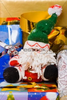 Santa puppet with gifts