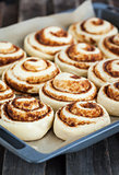 Preparation process of cinnamon rolls
