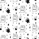 Milk and cookie seamless vector pattern.
