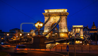 Chain bridge in Budapest nighttime