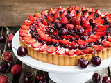 Summer tart with custard cream and fresh berries