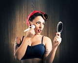 Make-up pin-up
